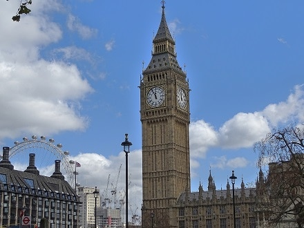 A tour of Westminster and the Houses of Parliament is a great option for English language learners with Lingua Holidays