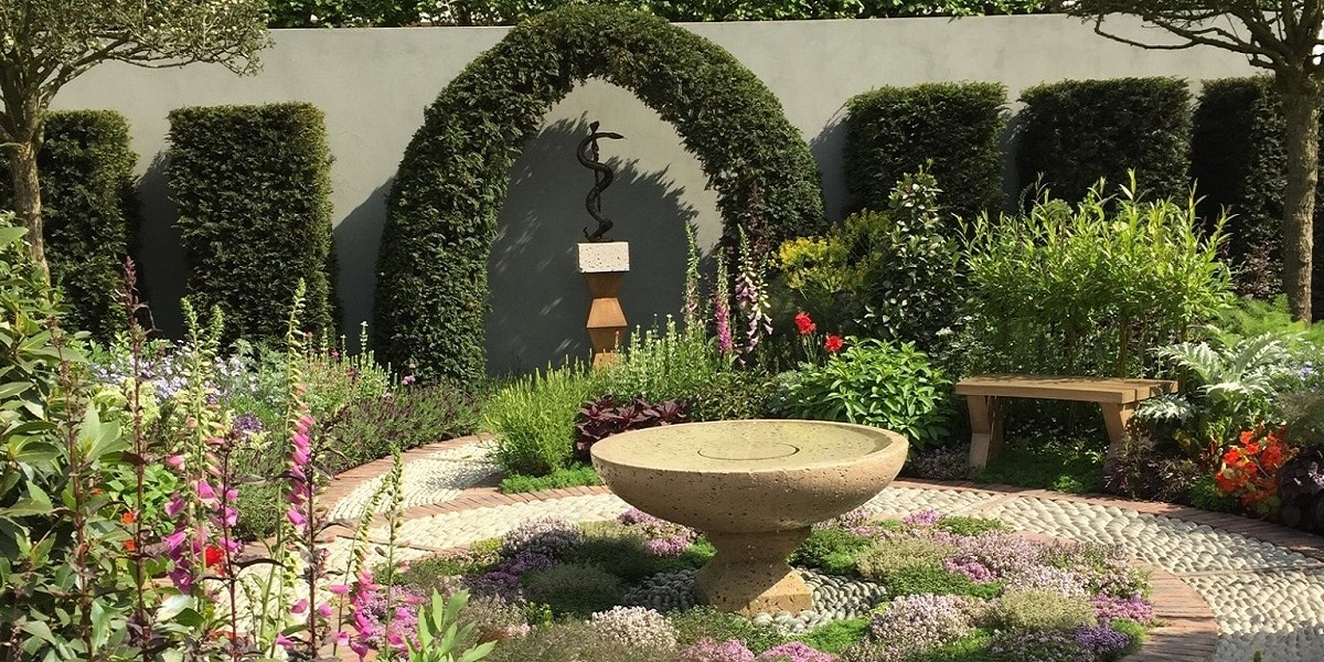 The Chelsea Flower Show is a treat for all flower-lovers and one of the highlights of London's summer calendar.