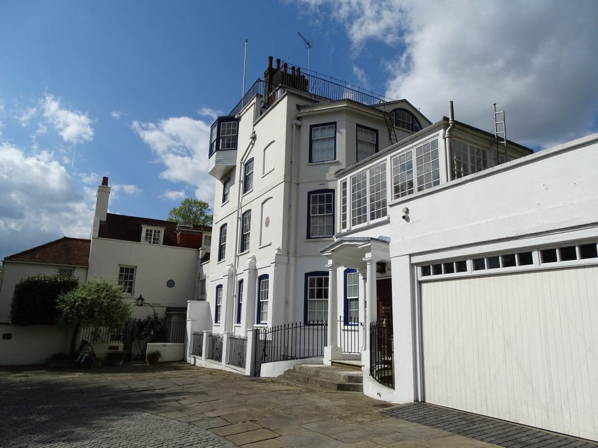 Visit the Admiral's House, Hampstead, on a Lingua Holidays walking tour