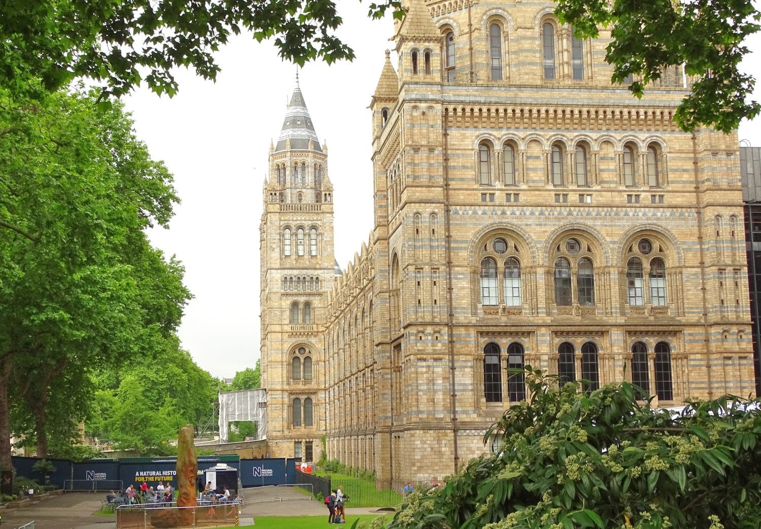 Free entrance to the Natural History Museum