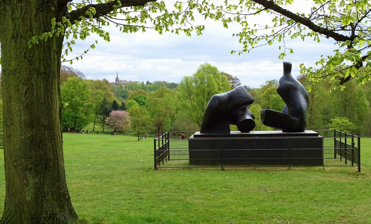 Visit sculpture by Henry Moore at Kenwood | Lingua Holidays
