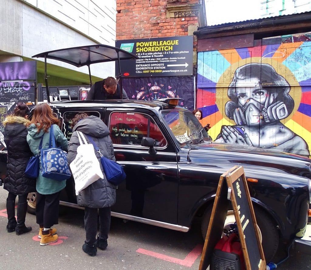 Take a black cab London taxi tour
