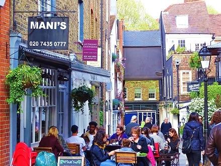 Cafe scene in Hampstead
